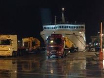 Transport dijela dizalice na relaciji Korčula-Roterdam
